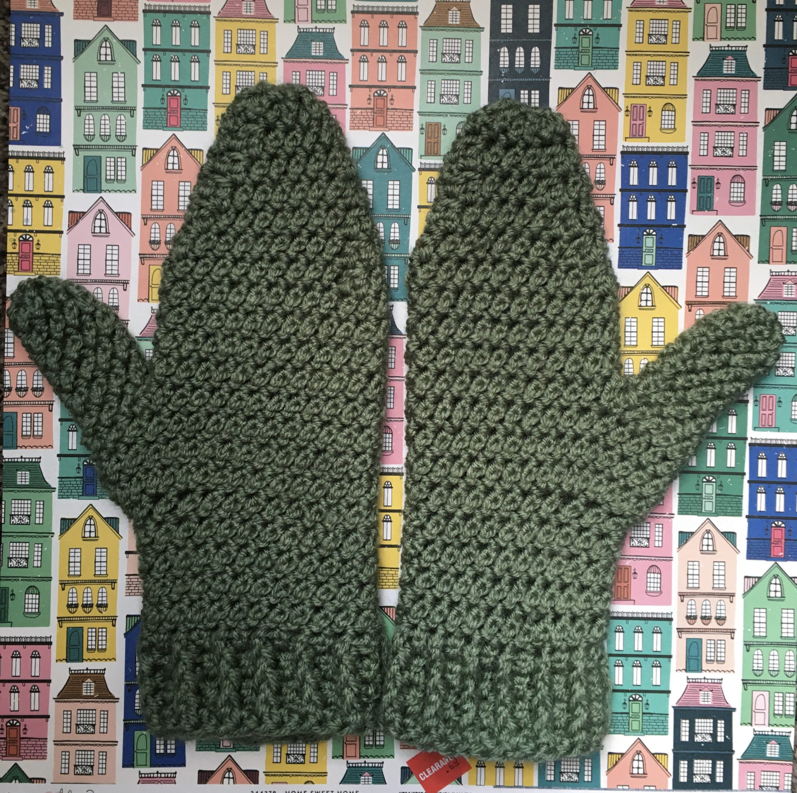 https://www.ravelry.com/patterns/library/rain-drops-mittens
